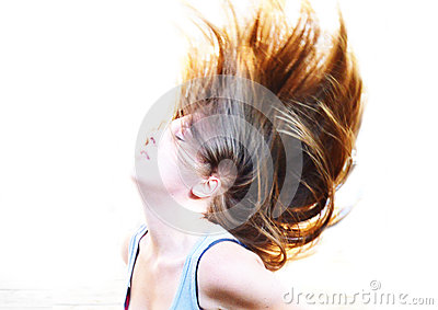 Свободные пропуская волосы