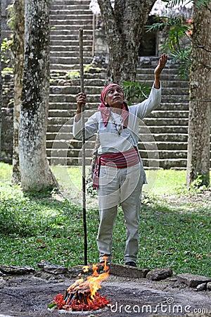священник maya Редакционное Стоковое Изображение