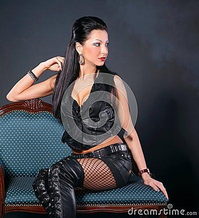 фото девушек секси в кожаной одежде