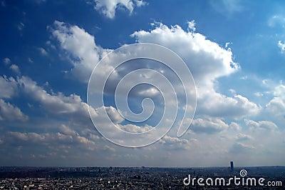 синь над небом paris