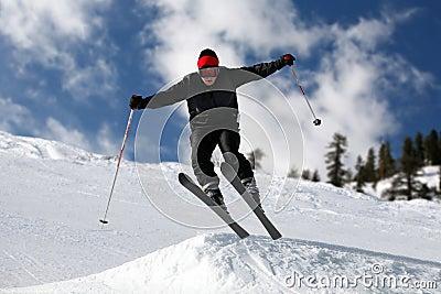 скача лыжник