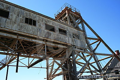 сломленная disused шахта холма