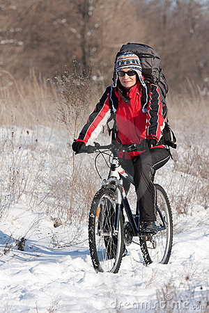 снежок велосипедиста ся