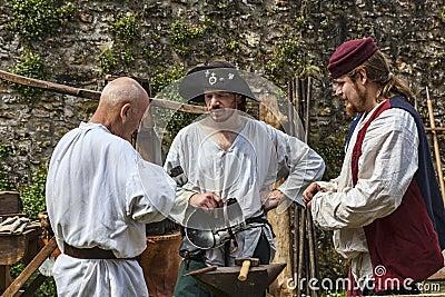 Средневековые люди Редакционное Стоковое Изображение