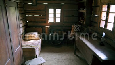 Старая комната, дом Hutsul, Украина столетие 18 4K видеоматериал