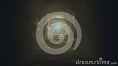 Старая огромная пещера фантазии заполненная со старыми артефактами и волшебным туманом со светляками Закрепленная петлей реалисти