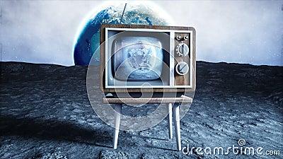 Старое деревянное ТВ года сбора винограда на луне Предпосылка земли Концепция космоса передатчиков бесплатная иллюстрация