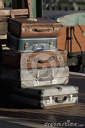 старые чемоданы