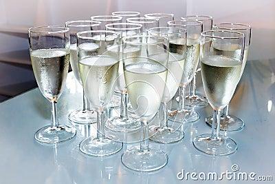 Стекла с шампанским