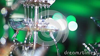 Стильная роскошь украсила таблицы для торжества для свадьбы счастливых пар, cathering в ресторане Конец-вверх видеоматериал