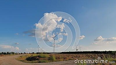 Сценарий ветряной турбины для производства электроэнергии экологически чистая природная энергия видеоматериал