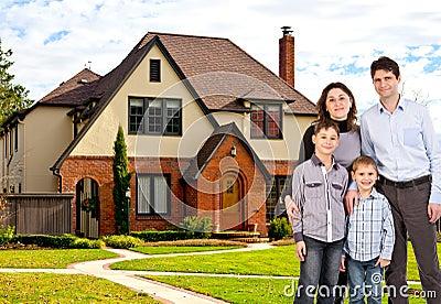 Изображение счастливые семья и дом