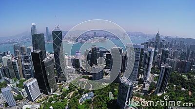 Съемка следа города Гонконга воздушная Красивое ясное голубое небо