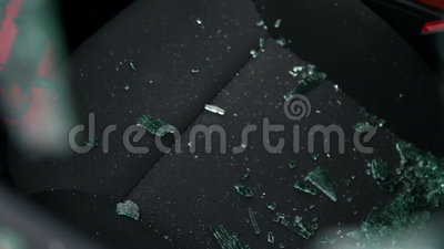 Сломленное окно автомобиля ограбления видеоматериал