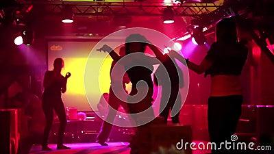 Танца в ночном клубе видео хоккейный клубы москвы для детей