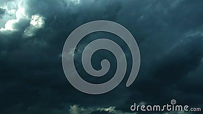 Темные былинные бурные облака (укороченная версия) акции видеоматериалы