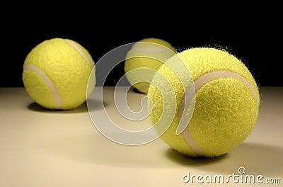 теннис 3 шариков