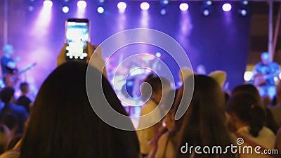 Толпа людей на концерте акции видеоматериалы