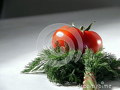 томат укропа 2 свежий