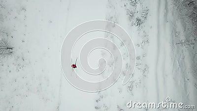 Тренировка лыжника Взгляд сверху следа, область Москвы сток-видео