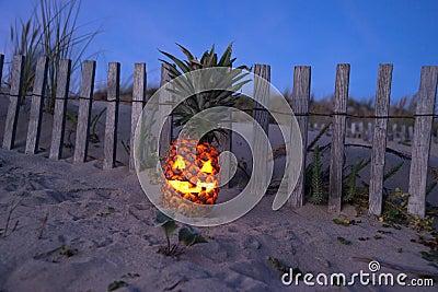 Тропический ананас хеллоуина