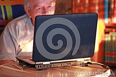 угол компьютера