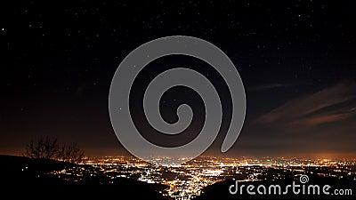 Упущение nighttime городов на венецианской равнине видеоматериал