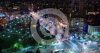 Упущение nighttime часа пик в городе, Тиране, Албании сток-видео