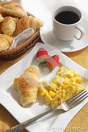 утро завтрака