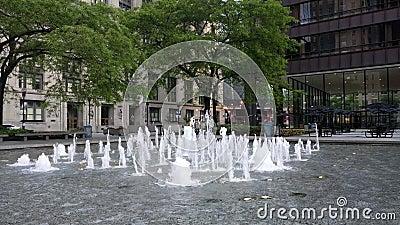 Фонтан на площади Daley, Чикаго, США Офисы городского управления акции видеоматериалы