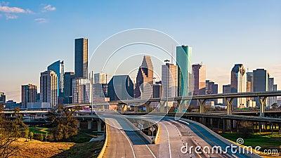 Хьюстон, Техас, горизонт США и шоссе сток-видео