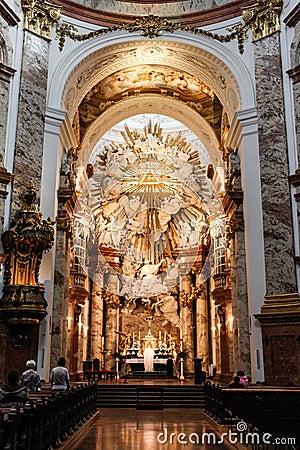 церковь внутрь Редакционное Стоковое Фото