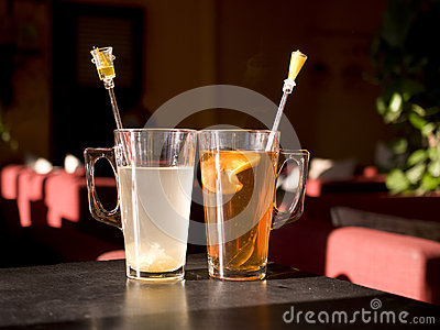 2 чашки чаю