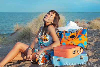 чемоданы моря девушки