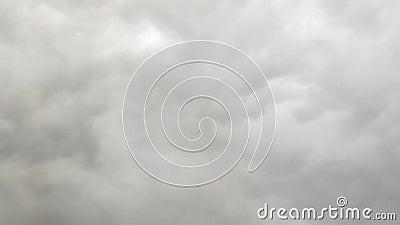 Черные облака естественное движение акции видеоматериалы