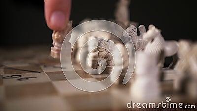 Шахматная пешка лев близкий игрок к противнику на шахматном медроке акции видеоматериалы