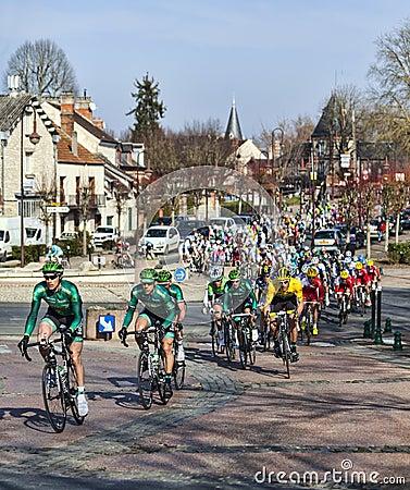 Этап 2013 Парижа славный Cylcing Rrace- 1 в Nemours Редакционное Стоковое Изображение