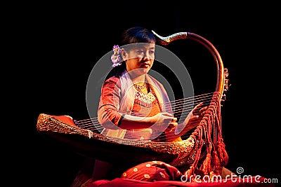 有竖琴的,缅甸妇女图片