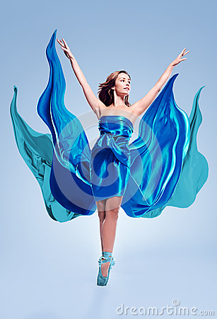 芭蕾舞者与雍容在图片