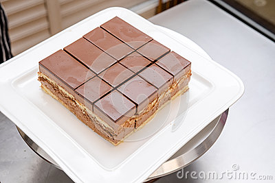 做蛋糕的过程 库存照片