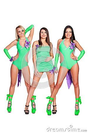 三名引诱的戈戈舞的舞蹈家