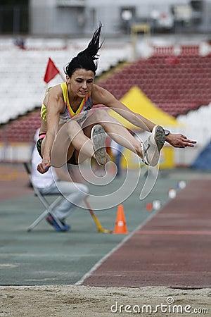 三级跳场地_三级跳学科期间的在罗马尼亚国际atheltics冠军,斯蒂芬cel母马体育场