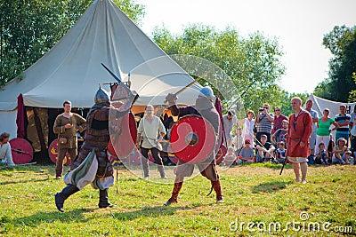 与中世纪战斗 编辑类照片