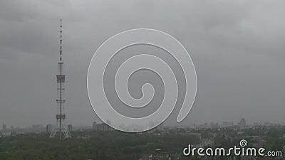 与暴风云的都市风景Timelapse 影视素材