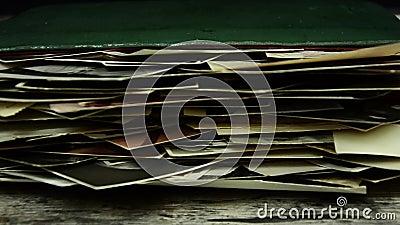 与老照片的册页 册页和摄影 股票录像