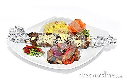 与蔬菜的肉kebab