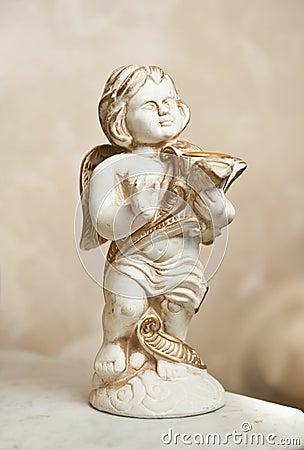 与里拉琴,装饰品的天使 金黄装饰品 葡萄酒天使 弹竖琴的陶瓷天使 在图片