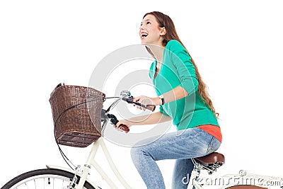 乘坐自行车的妇女