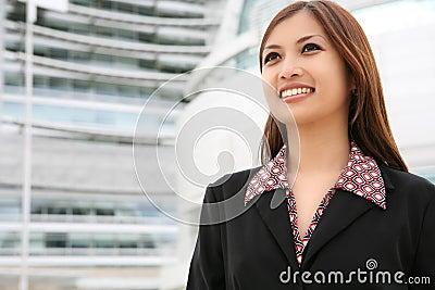 亚裔美丽的女商人