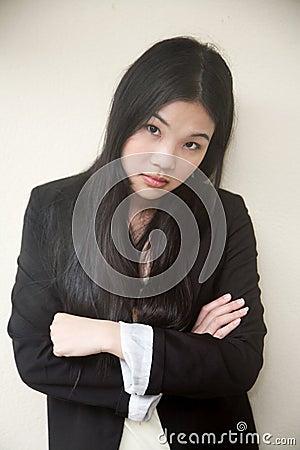 干色姑娘成人网_头发夹克女孩女性妇女姿势态度性感成人投反对票摆在